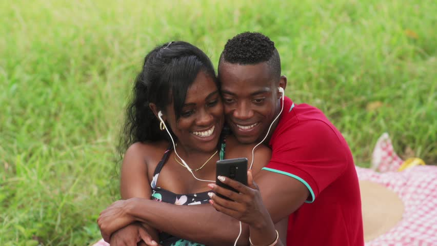 Eight Simple Signs You Are Dating a Good Man